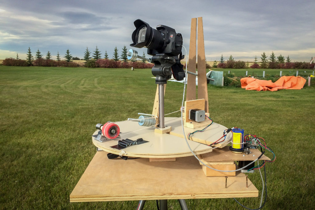 Add motion to time lapse photography with the panomaticTiltatron.